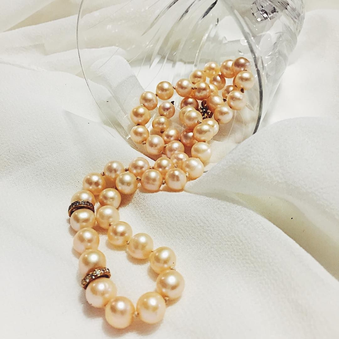 Makes_me_think_of_A_String_of_Pearls_by_Glen_Miller._What_other_songs_are_there_about_pearls__stringofpearls__glennmiller__pearlnecklace__zztop
