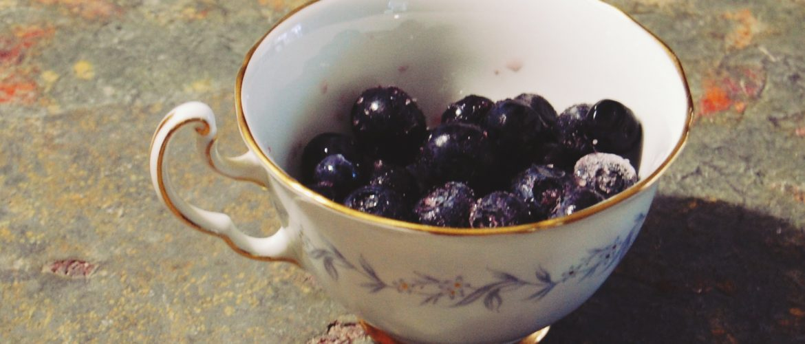 easy blueberry muffins, www.moderngillie.com