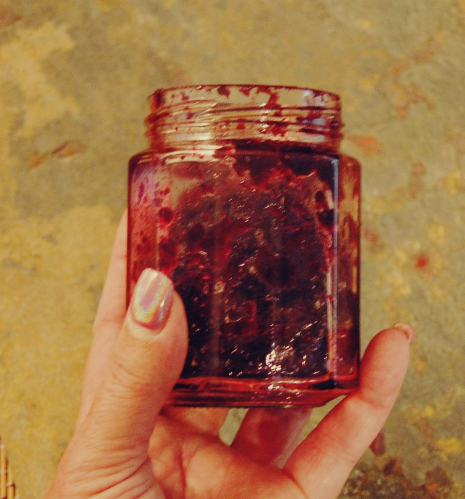Blueberry Balsamic Jam, Easy Blueberry Jam, Homemade Blueberry Jam, Blueberry Preserves, www.moderngillie.com