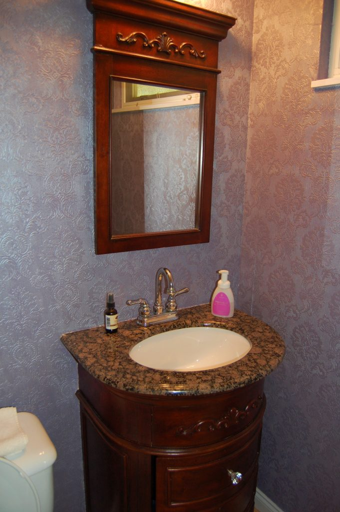 Inexpensive powder room makeover, www.moderngillie.com