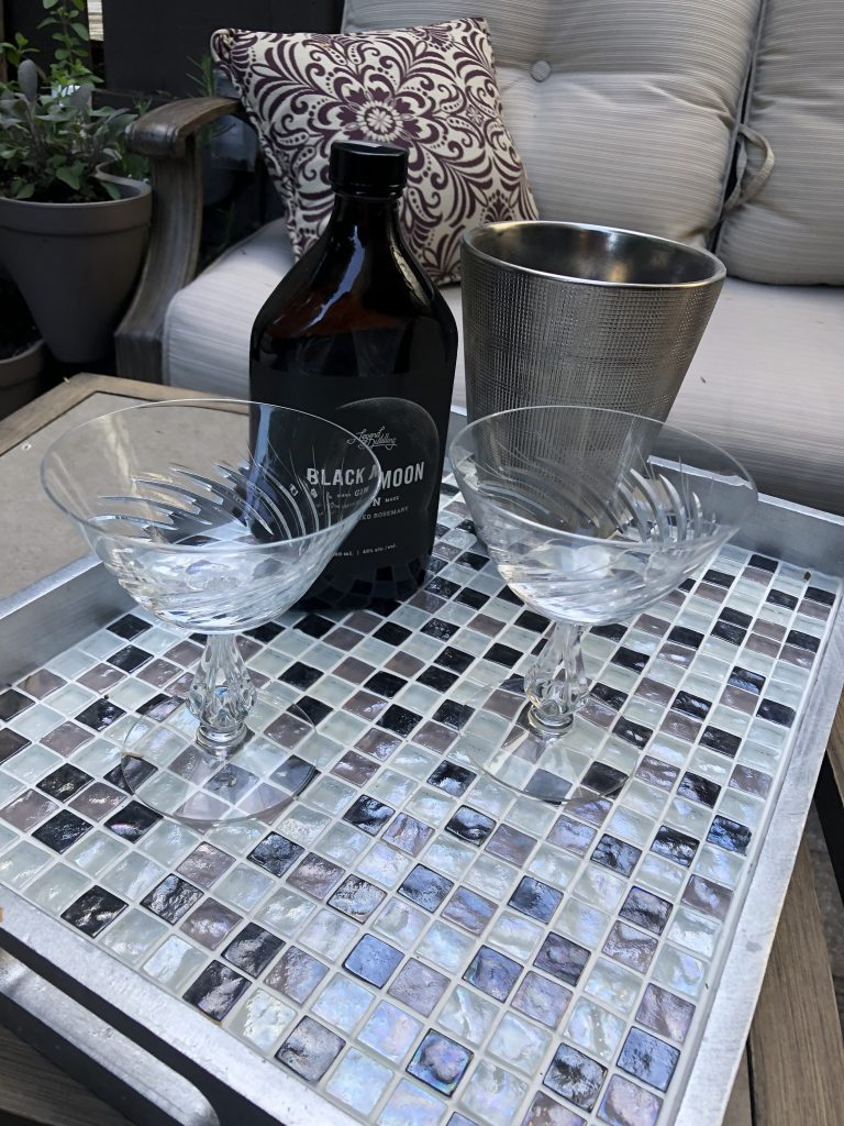 cocktail tray, www.moderngillie.com